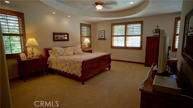 25854 Shady Oak Lane, Valencia CA: http://media.crmls.org/mediascn/fb425f82-e8df-490d-a9d2-977bf33b1cf9.jpg