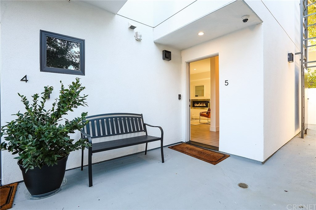 Photo of 829 NORTH MARTEL AVENUE #5, West Hollywood, CA 90046