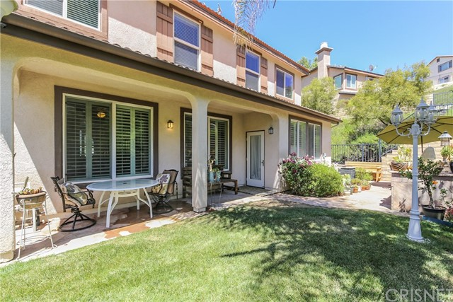 25226 Gloriso Lane, Stevenson Ranch CA: http://media.crmls.org/mediascn/fbebe0f1-f2e1-415d-bb25-902567872370.jpg