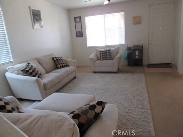 43825 Elena Court, Lancaster CA: http://media.crmls.org/mediascn/fbf40d1e-48e2-4249-ab12-758e4985c727.jpg