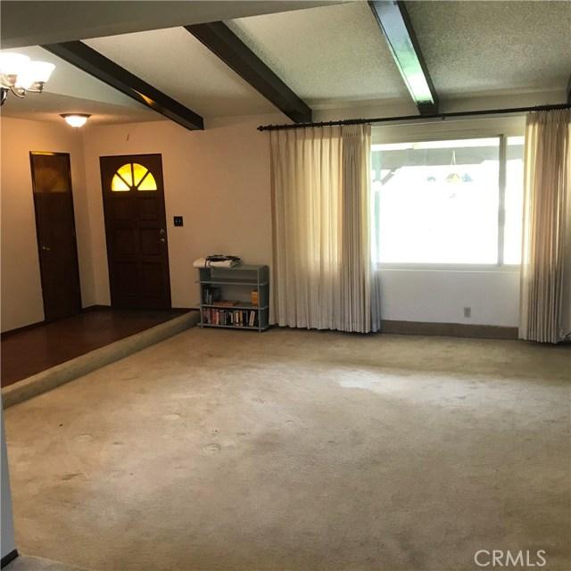 23821 Coyote Court, Bear Valley Springs CA: http://media.crmls.org/mediascn/fc241eec-9680-4743-972d-67f50b73c0a8.jpg