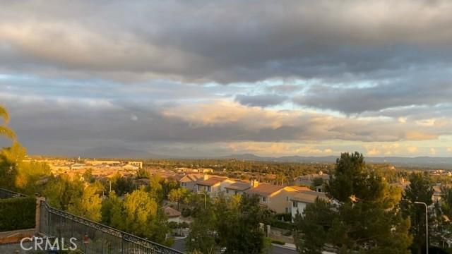 20538 Como Lane, Porter Ranch CA: http://media.crmls.org/mediascn/fc32d5e0-2d2f-4976-8b14-f3f6fcbcb101.jpg
