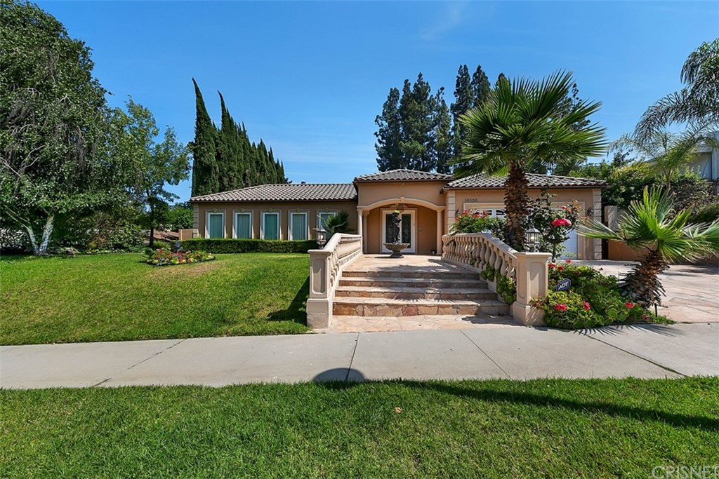 Photo of 18125 LAKE ENCINO DRIVE, Encino, CA 91316