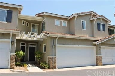 Townhouse for Rent at 27032 Wolf Creek Valencia, California 91354 United States