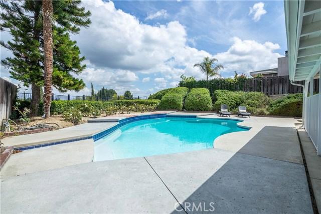 11636 Amigo Avenue, Porter Ranch CA: http://media.crmls.org/mediascn/fcbfa1e6-5379-4798-ad49-e9bfbd4393a2.jpg