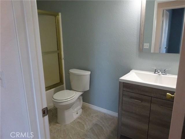 17308 Valeport Avenue, Lancaster CA: http://media.crmls.org/mediascn/fcdf5ade-d55f-4b71-bb39-b9c8deeb4984.jpg