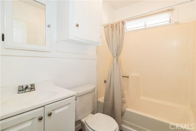 7500 Owensmouth Avenue, Canoga Park CA: http://media.crmls.org/mediascn/fcee257f-d436-48b1-ba0d-c2dfba277fdc.jpg