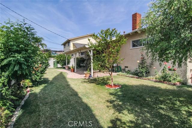 17234 Flanders Street, Granada Hills CA: http://media.crmls.org/mediascn/fd038e10-6ba1-4d86-a176-9ffea02f68cf.jpg