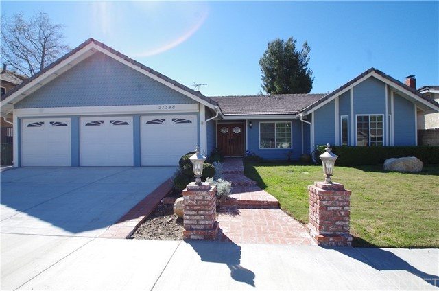 Single Family Home for Rent at 21348 Bermuda Street Chatsworth, California 91311 United States