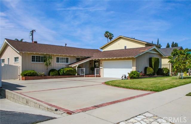 17234 Flanders Street, Granada Hills CA: http://media.crmls.org/mediascn/fd257db0-f37d-459e-ba3d-4710b28bd3f5.jpg