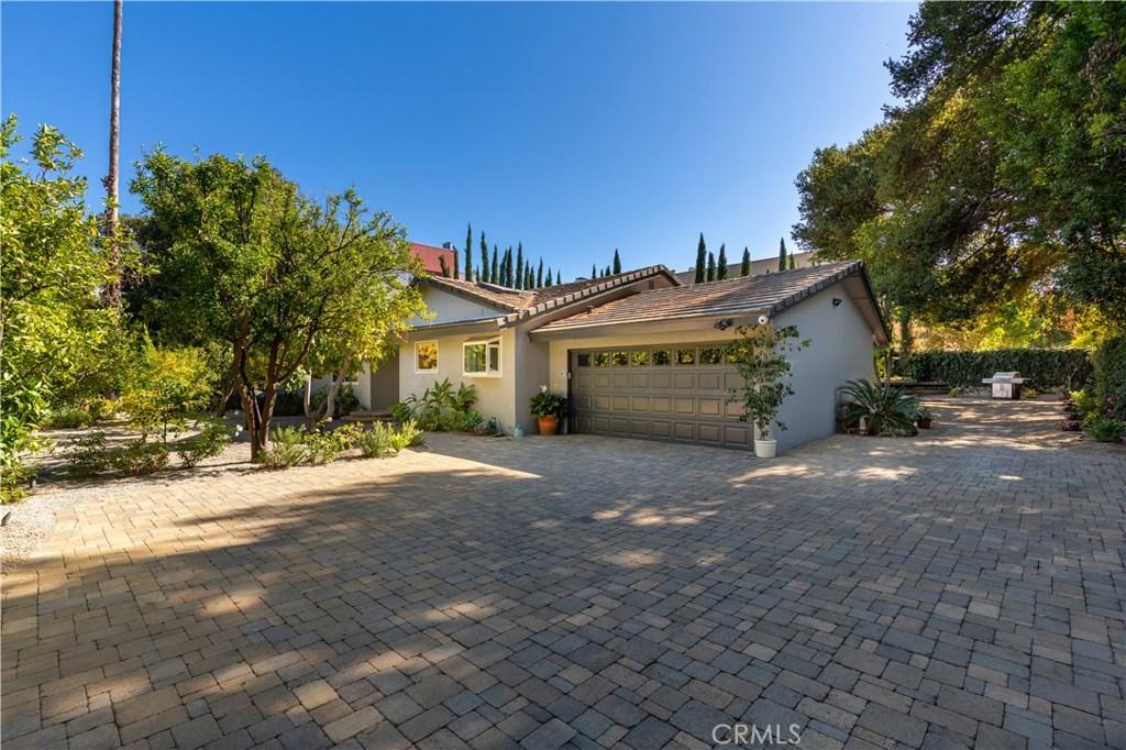 Photo of 16926 MAGNOLIA Boulevard, Encino, CA 91316