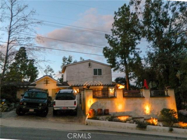 17219 Warrington Drive, Granada Hills CA: http://media.crmls.org/mediascn/fd5b4159-e1ac-4757-97f2-90c1a9557dbb.jpg