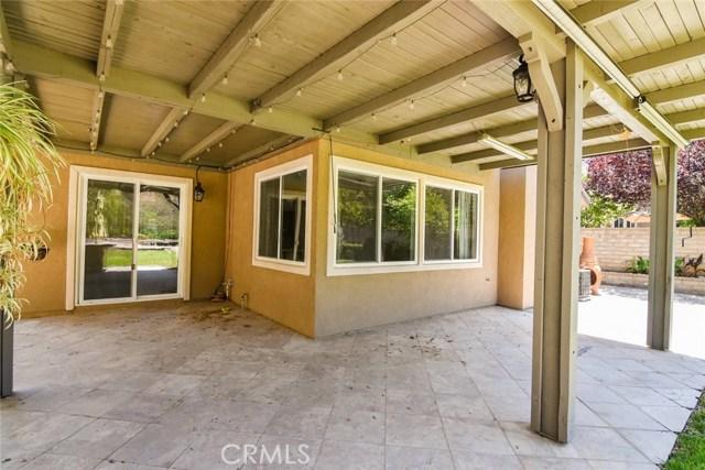 23813 Rio Ranch Way, Valencia CA: http://media.crmls.org/mediascn/fd76c4ff-9273-421d-9fcc-b52c65d328d9.jpg