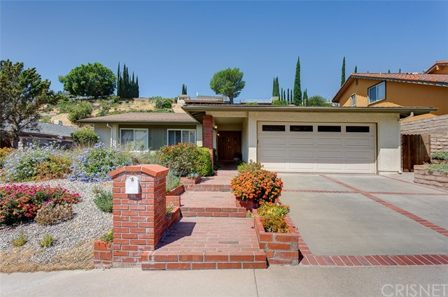 11469 Baird Avenue, Porter Ranch CA: http://media.crmls.org/mediascn/fd8be18b-043d-438c-bf68-2dd279b0bd8c.jpg