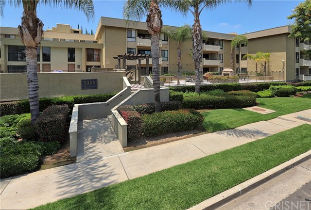 Photo of 5009 Woodman Avenue #116, Sherman Oaks, CA 91423