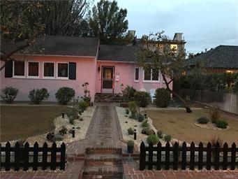 4329 Agnes Avenue, Studio City CA: http://media.crmls.org/mediascn/fdd16bc7-9a1d-4dc8-9074-d2fd94c52d72.jpg