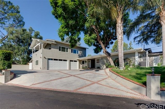 Single Family Home for Sale at 11581 Vimy Road Granada Hills, 91344 United States