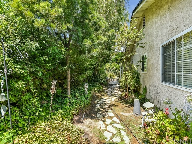 25801 LOCHMOOR Road Valencia, CA 91355 - MLS #: SR18184310