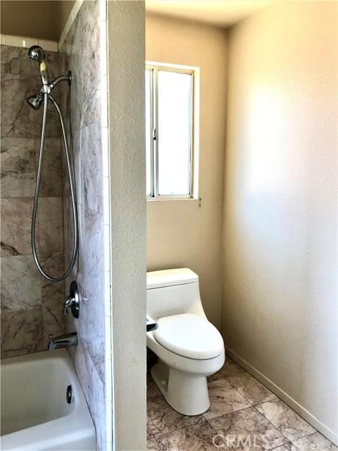 37103 Bridgeport Court, Palmdale CA: http://media.crmls.org/mediascn/fe6bea5e-ab56-48c0-9843-34a94d5605d0.jpg