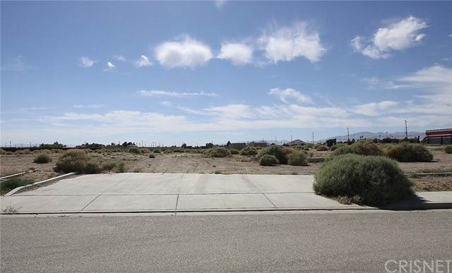 Single Family for Sale at 11 Eagle Way Rosamond, California 93560 United States