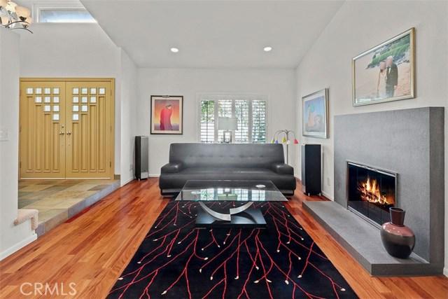 24020 Ingomar Street, West Hills CA: http://media.crmls.org/mediascn/fed0b8d6-cdb9-4627-93fd-fff5136294ea.jpg