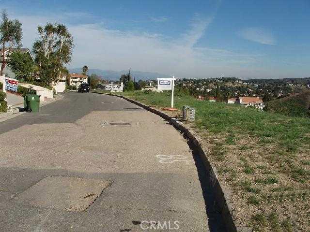 0 UHEA Road, Woodland Hills CA: http://media.crmls.org/mediascn/ff0426f8-5c13-49d2-9fde-c6671d7a3893.jpg