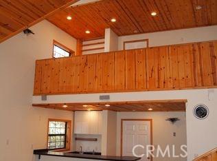 2117 Cypress Way, Pine Mtn Club CA: http://media.crmls.org/mediascn/ff1f0940-a340-4b95-a929-109559a17d1c.jpg