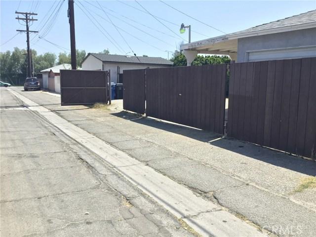 7614 Whitsett Avenue, North Hollywood CA: http://media.crmls.org/mediascn/ff243a77-9948-48a4-9ce1-305f0e82d088.jpg