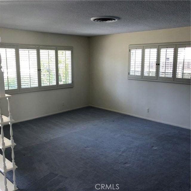 6622 Franrivers Avenue, West Hills CA: http://media.crmls.org/mediascn/ff46861e-e882-4fd8-83a8-59f3c83351f6.jpg