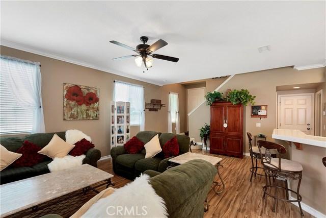 440 Arborwood Street, Fillmore CA: http://media.crmls.org/mediascn/ff93f08e-3987-42d6-8ed0-fc4b22b86fcc.jpg
