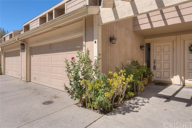 10100 Melinda Way Unit 4, Northridge CA 91325