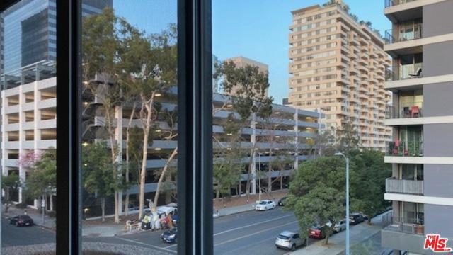 701 S Kingsley Drive, Los Angeles CA: http://media.crmls.org/mediaz/00134F63-FBEC-4BD8-952E-E464F607D5C6.jpg