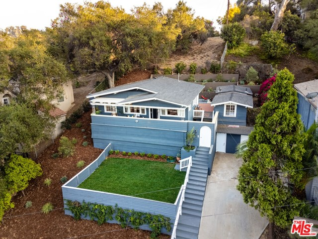 1662 Glen Aylsa Avenue, Los Angeles CA: http://media.crmls.org/mediaz/0056DF5D-6D6F-4084-9DD2-4285D52782C6.jpg