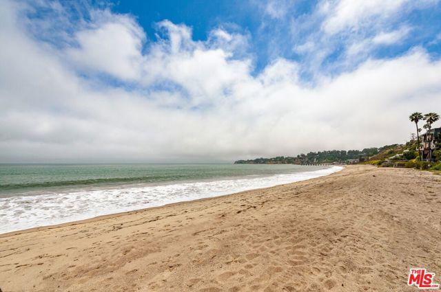 27910 Pacific Coast Highway, Malibu CA: http://media.crmls.org/mediaz/006068EF-567A-481E-9433-ADD01A3AB1EC.jpg