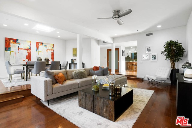 Photo of 3552 STONEHILL Place, Sherman Oaks, CA 91423