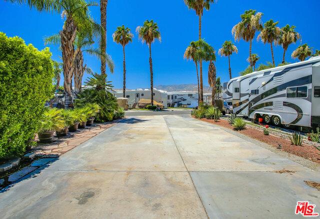 69411 RAMON Road, Cathedral City CA: http://media.crmls.org/mediaz/0089E22C-7D5D-4510-9597-E2B06FDA5E06.jpg