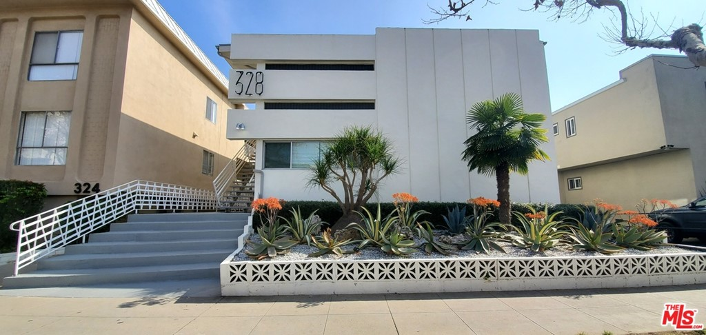 328 S Rexford Drive # 7 Beverly Hills CA 90212