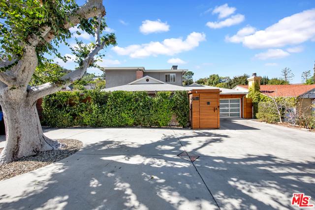 4015 Beverly Glen Boulevard  Sherman Oaks CA 91423