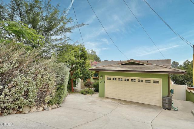 2918 Gertrude Avenue, La Crescenta CA: http://media.crmls.org/mediaz/016C8BA0-E830-4020-A281-AC56442EAAF6.jpg