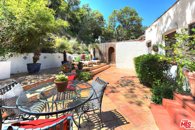 8428 Kirkwood Dr, Los Angeles, CA 90046 Photo 28
