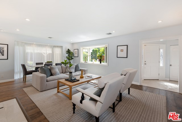 Photo of home for sale at 12903 DICKENS Street, Studio City CA