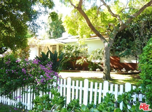 Single Family Home for Rent at 3137 Midvale Avenue Los Angeles, California 90034 United States