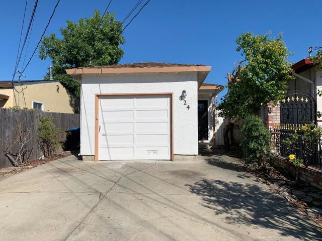 624 Macarthur Avenue, Redwood City CA: http://media.crmls.org/mediaz/02BD3CDC-F787-49A8-9ADC-8C4AFF5915B3.jpg