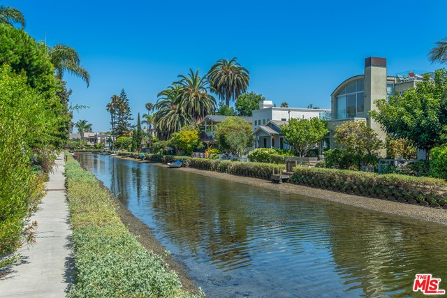 412 Howland Canal, Venice, CA 90291 photo 15