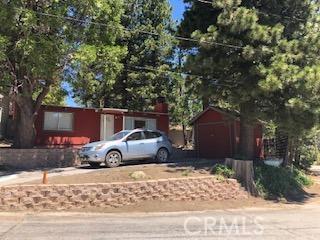 32008 Edison Way, Running Springs CA: http://media.crmls.org/mediaz/03062439-E51E-45C0-9205-A9AD16173563.jpg