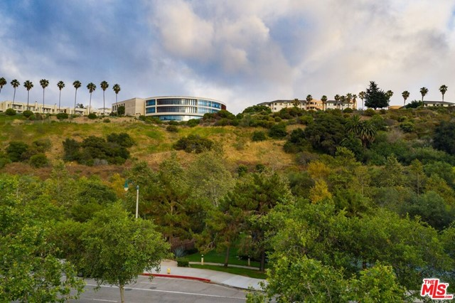 12989 W Bluff Creek, Playa Vista, CA 90094 photo 36