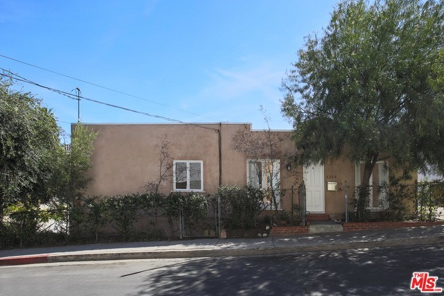 Single Family Home for Rent at 1356 Mcduff Street Los Angeles, California 90026 United States