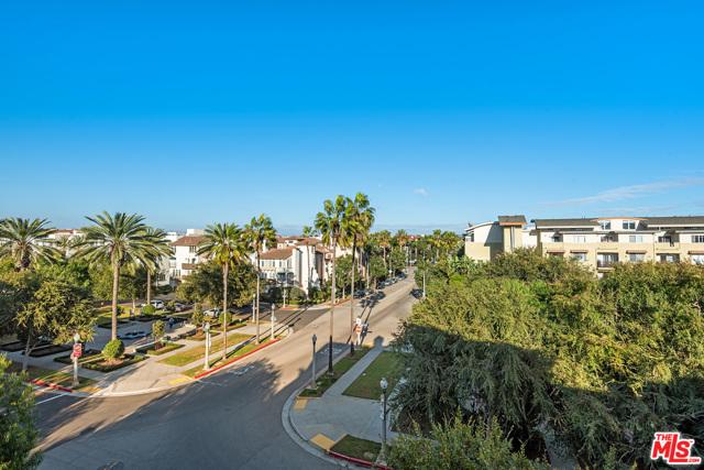 6241 Crescent Pkwy 401, Playa Vista, CA 90094 photo 10