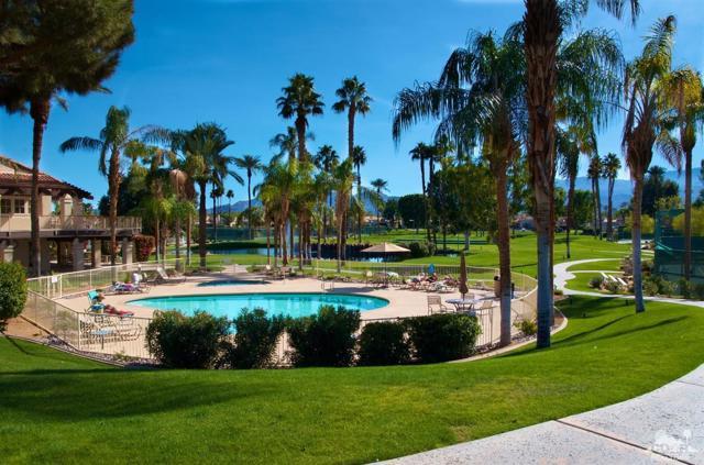 125 Lake Shore Drive, Rancho Mirage CA: http://media.crmls.org/mediaz/03B93F3E-388E-41AC-B86B-E18F5CCCD9C2.jpg