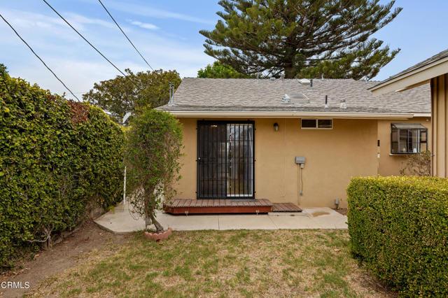 484 Rancho Drive, Ventura CA: http://media.crmls.org/mediaz/04171E58-B288-464E-8FA2-8DA5AA58DBEB.jpg